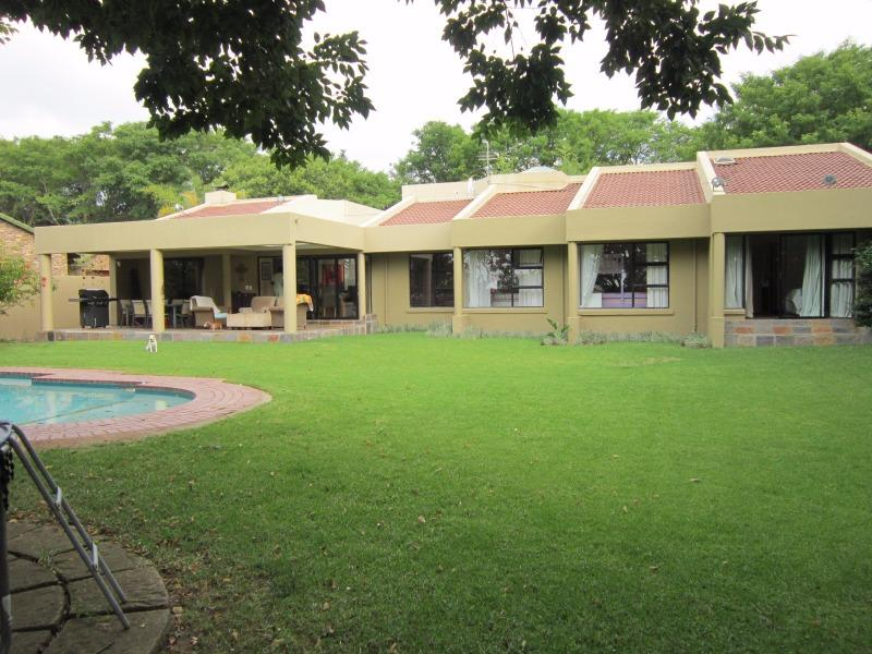 Property For Sale in Fourways Gardens, Sandton 1