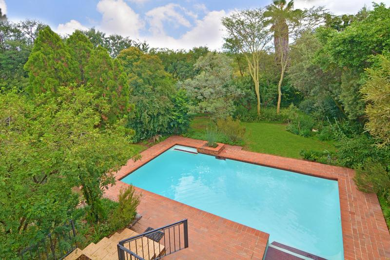 Property For Sale in Fourways Gardens, Sandton 4