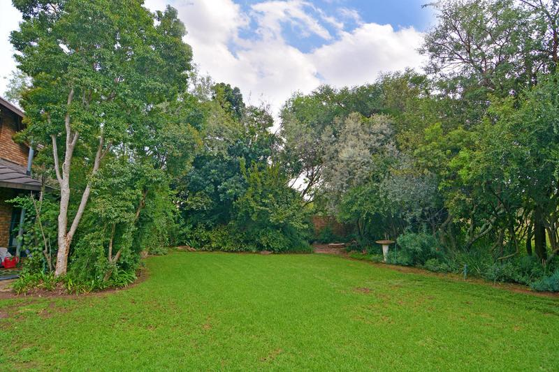Property For Sale in Fourways Gardens, Sandton 6