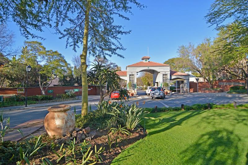 Property For Sale in Fourways Gardens, Sandton 28