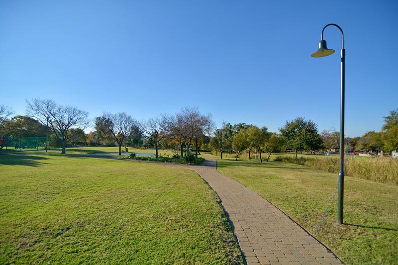 Property For Sale in Fourways Gardens, Sandton 43