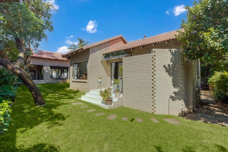 Property For Sale in Fourways Gardens, Sandton 32